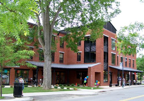 B&L Building, 2005